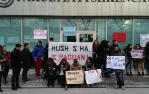Studentët në protestë: Kush s'ka, s'paguan!