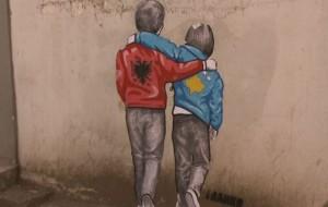 Grafiti i Franko Dines ruhet nga pronarët e dyqaneve