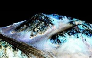 Shkencëtarët: Në planetin Mars ka ujë të kripur