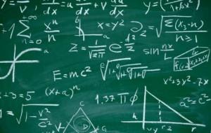 Formula që zbulon moshën dhe numrin e këmbës!