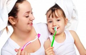 Metoda praktike për zbardhjen e dhëmbëve