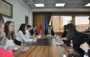 Ministri takim me përfaqësues të Këshillit Rinor