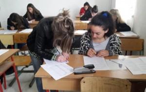 Gjimnazistët e Tropojës testim parapërgatitor në lëndën anglisht