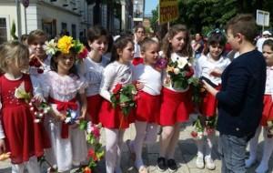"""Shkolla """"Përparimi"""" feston Ditën e Luleve"""