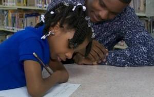 Kaligrafia, 7-vjeçarja sfidon konkurentët, rrëmben çmimin