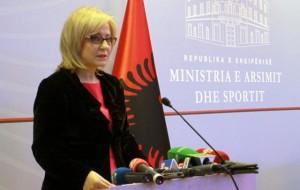 Letra, Ministrja Nikolla iu përgjigjet maturantëve