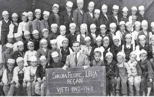 Foto të shkollave të para shqipe të Tetovës dhe Gostivarit