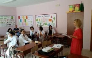 Albas bashkëbisedim me mësuesit për librin elektronik