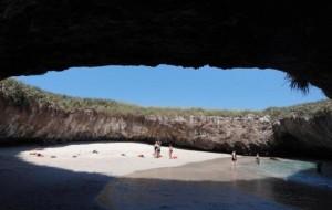 """Udhëtim në """"Plazhin e Dashurisë"""""""