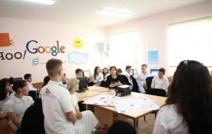 Mësuese Miranda zhvilloi një orë mësimi të hapur në TIK