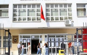 Fakulteti Ekonomik shpall fituesit, 326 kuota të lira