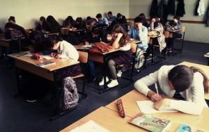 Nxënësit i dërgojnë letër mësuesit