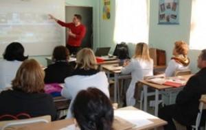 Albas takim me mësuesit në Gramsh dhe Burrel