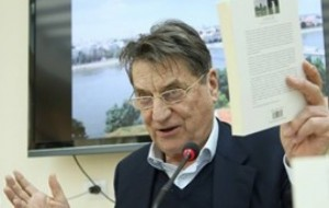 Claudio Magris në Tiranë, bashkëbisedon me lexuesit