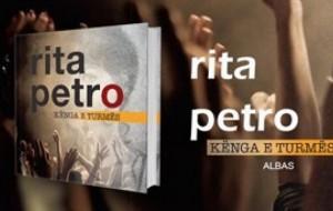 """Recension për librin """"Kënga e turmës"""" të Rita Petros"""