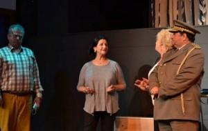 """""""General & Playboy"""", premierë në Teatrin e Metropolit"""