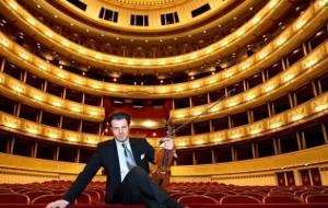 "Violinisti Shkëlzen Doli, koncert në sheshin ""Skënderbej"""