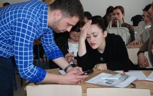 Arsyet dhe rëndësia e përdorimit të teknologjisë në klasë
