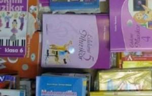 MASHT dhuron librat shkollor falas për nxënësit nga klasa 1-9