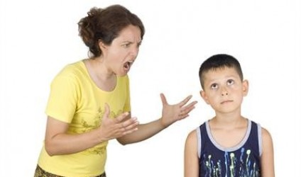 Prindër qetësohuni, pastaj edukoni fëmijët!