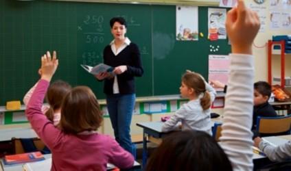 Mësuesi, ky model që na ndjek gjithë jetës
