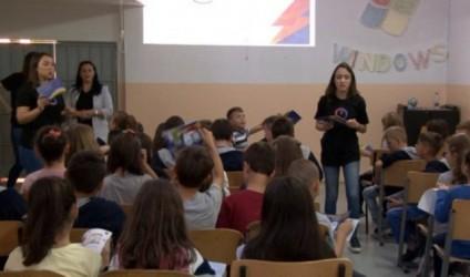 Nxënësit mësojnë se si të kursejnë energjinë elektrike