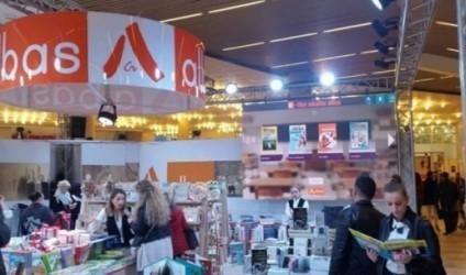 Rita Petro sjell kolanën e disa personazheve të kulturës shqiptare