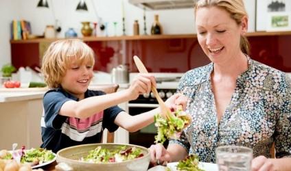 Pse një fëmijë sjell vërdallë tërë familjen për të ngrënë një pjatë gjellë?