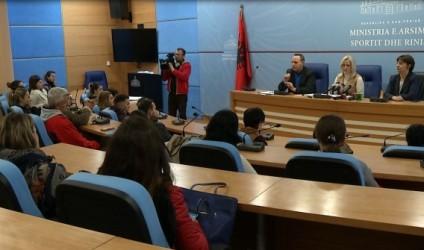Mësues për Shqipërinë, 6000 kandidatë testojnë njohuritë