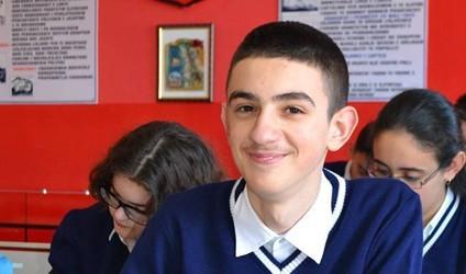 Edli Merkaj, fitues i Olimpiadës Kombëtare të Matematikës