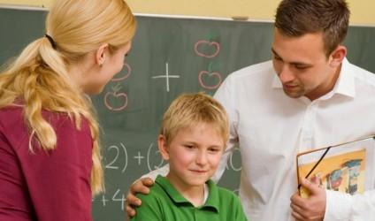 Çfarë nuk duhet t'i thoni mësueses/mësuesit të fëmijës tuaj?