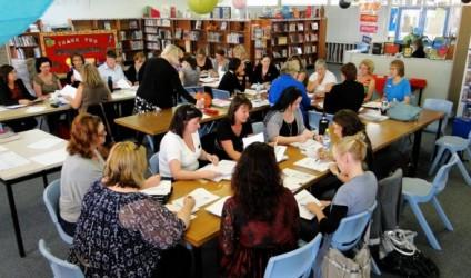 Mësuesit dhe prindërit vlerësojnë drejtorin e shkollës