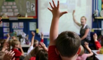 Mësues, refuzojini kufijtë mes shkollës dhe shtëpisë!