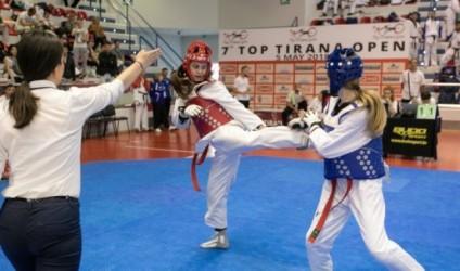 Tirana mirëpriti 1000 sportistë