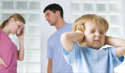 Si të jeni prindër të mirë kur nuk merreni vesh në çift?