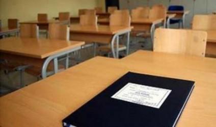 Mësuesit më parë komandant në arsim, tani punë administrative