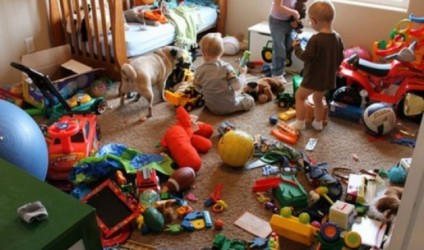 Prindër, mos u blini shumë lodra fëmijëve