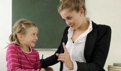 14 mesazhe që nxënësi ka nevojë t'i dëgjojë nga mësuesi