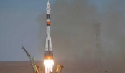 Astronautët bëjnë ulje emergjente, anija kozmike pëson defekt