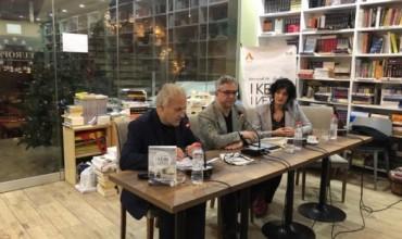 """Gazmend Kapllani promovon librin, """"I keqi i vetes"""" përtej letërsisë së emigracionit"""