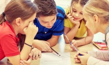 Çfarë mund të bëj një prind për të ndihmuar fëmijën në shtëpi?