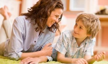 Shumica e prindërve janë dembelë dhe neglizhojnë të lexuarin me zë të lartë.