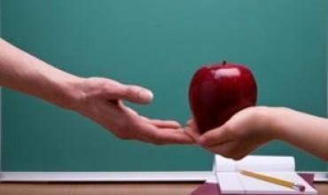 Mësuesit shohin shumë larg
