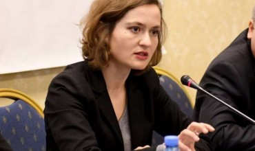 Ministrja Shahini njofton ndryshime të reja në arsim: Këtë vit me kurrikula të reja në shkolla