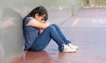 Sjelljet e njerëzve që kanë vuajtur nga mungesa e dashurisë në fëmijëri