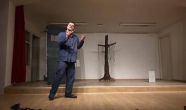 """""""Rrno për me trgue"""" në skenën e shkollës Jakov Xoxa"""