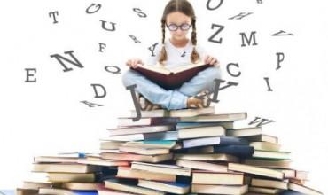 7 arsye pse duhet të lexoni libra