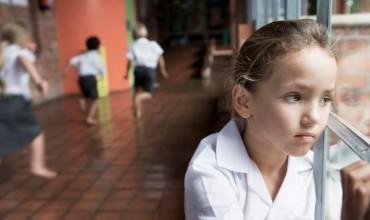 Ankthi i fëmijëve për shkollën. Prindërit të shmangin autoritetin përmes frikës