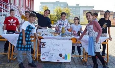 """Dita Ndërkombëtare e Ushqimit, nxënësit e """"Mileniumi i tretë"""" zhvilluan """"Panairin e bamirësisë"""""""