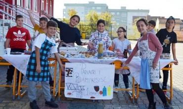"""Dita Ndërkombëtare e Ushqimit, nxënësit e shkollës """"Mileniumi i tretë"""" përgatisin """"Panairin e bamirësisë"""""""